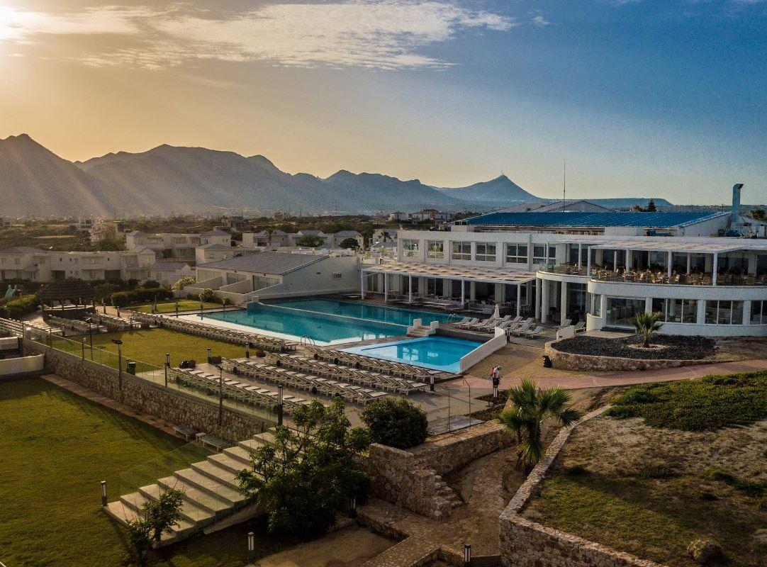 Mr and mrs white crete lounge resort spa